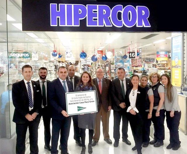 b40bb4cf9a8 El personal de El Corte Inglés de Huelva dona 450 kilos de alimentos a la  Asociación  Casa Paco Girón