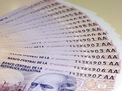 El Gobierno argentino toma 2.260 millones del fondo de los jubilados para pagar deuda y financiar gastos