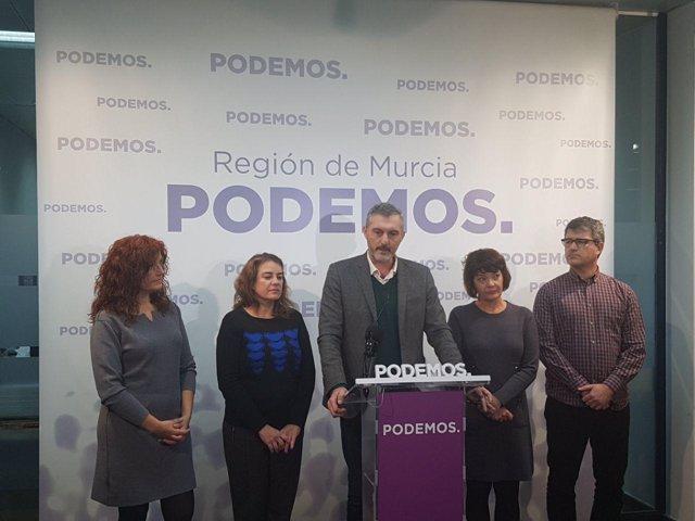 Rueda de prensa Podemos con Urralburu a la cabeza