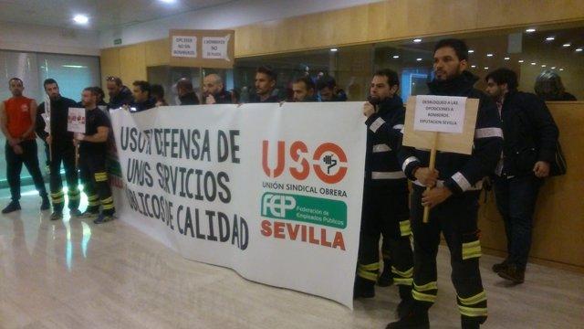 Nueva protesta de los bomberos en la Diputación