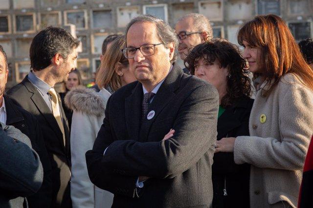 Ofrenda floral ante la tumba de Francesc Macià del presidente del Parlament cata