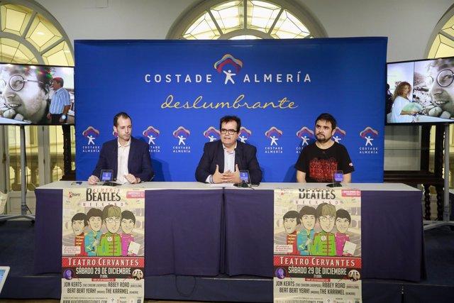 Antonio J. Rodríguez, Curro Verdegay y J. Adolfo Iglesias, en la presentación.