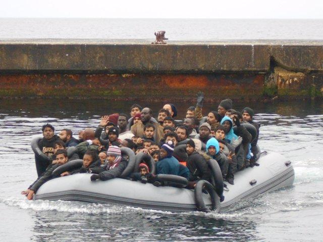 Patera llegada por sus medios a la isla de Alborán