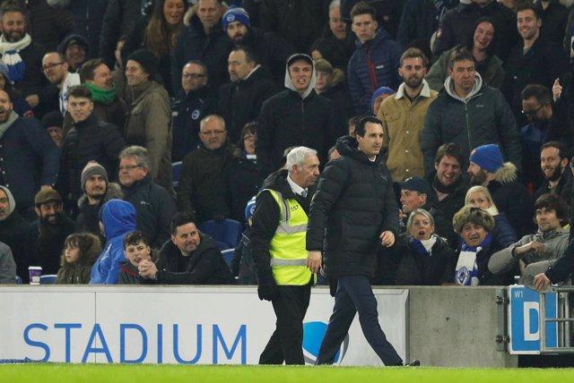 Unai Emery tras un incidente con un aficionado del Brighton