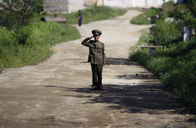 Militar norcoreano en monte Kumgang