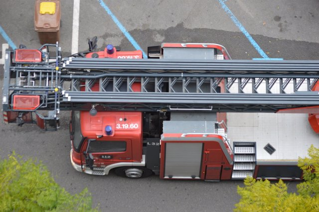 Heridos dos operarios por una deflagración de gas en un bar de Lleida