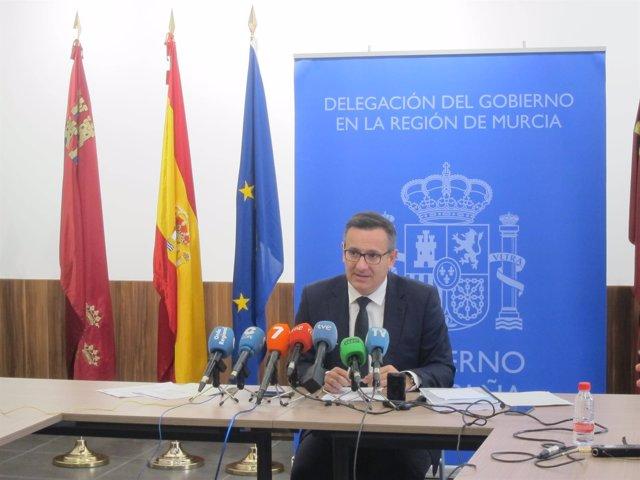 El delegado del Gobierno, Diego Conesa, durante la rueda de prensa