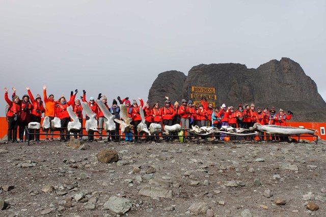 Christiana Figueres se une a la expedición de 79 científicas que partirán a la A