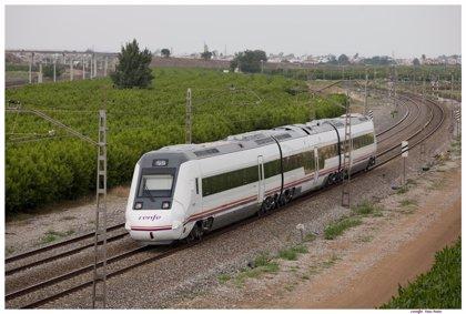 Renfe congela el billete de Cercanías, pero sube un 3,5% el de Regionales y un 7% el Avant