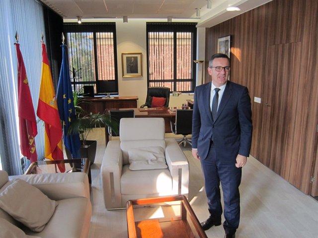 Diego Conesa, En Su Despacho En La Delegación