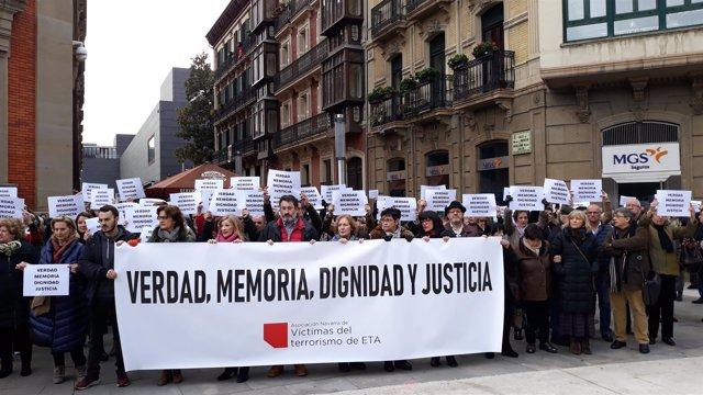 Concentración de Anvite contra la iniciativa de Sare en Pamplona