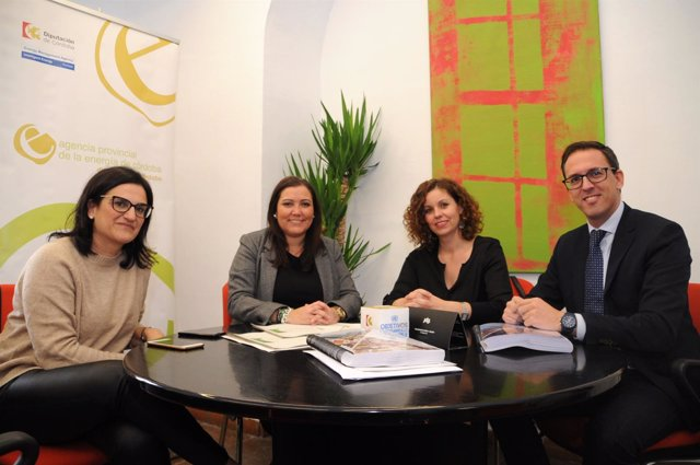 Carrillo entrega los Planes para la Movilidad Urbana Sostenible