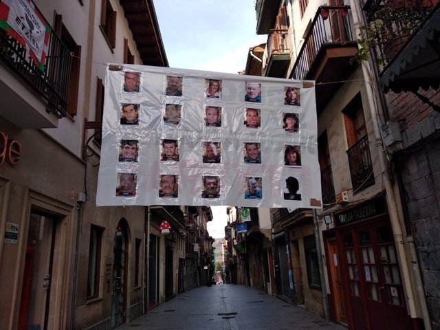Pancarta de presos en Hernani