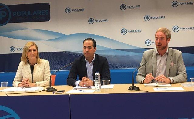 Los 'populares' Salomé Pradas, Héctor Folgado y Óscar Clavell en rueda de prensa