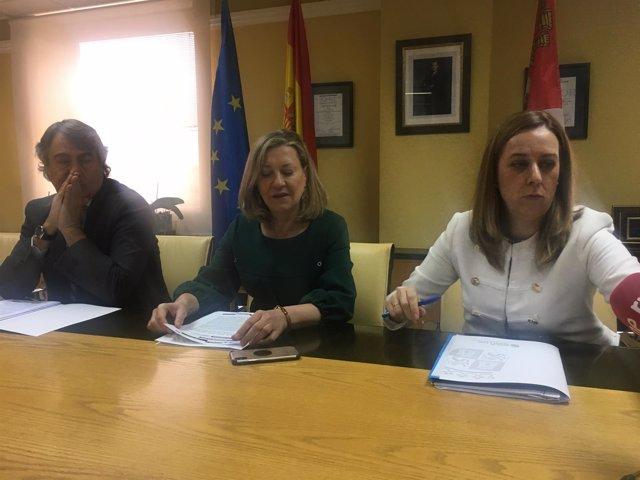 Valladolid.- José María Ribot, Pilar Del Olmo y Heidi Millán