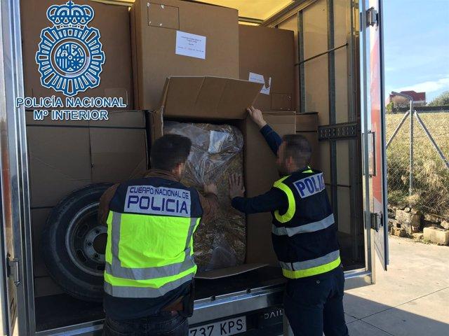 La Policía Nacional interviene tabaco ilegal en Écija