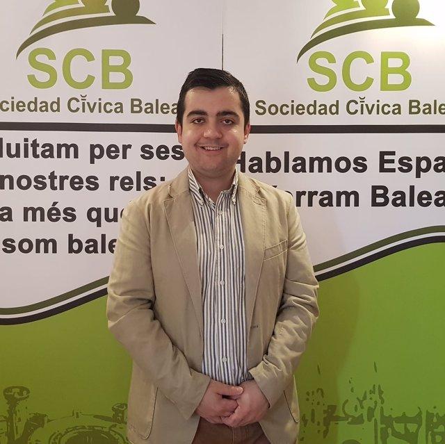 El presidente de Sociedad Cívica Balear, Cosme Bernat Brull