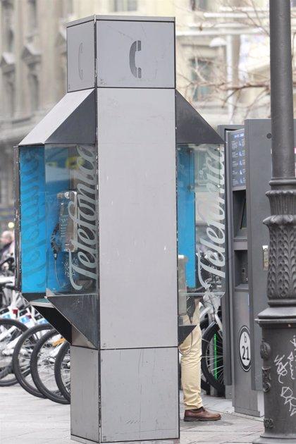 Las cabinas telefónicas mantendrán su condición de 'servicio universal' durante al menos un año