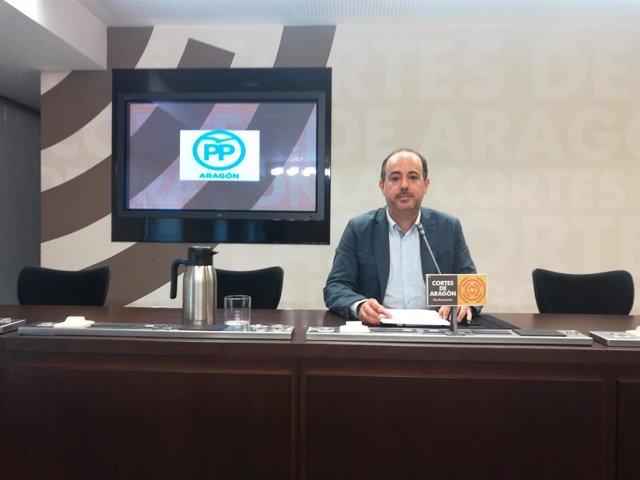 El protavoz de Consumo y Cooperación al Desarrollo del PP, Eduardo Péris