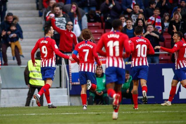 Soccer: La Liga - Atletico de Madrid v Alaves