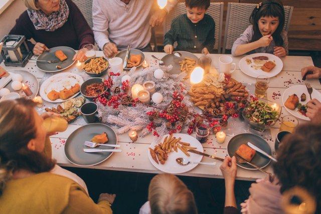 Comida navideña, cena navidad, comiendo, banquete