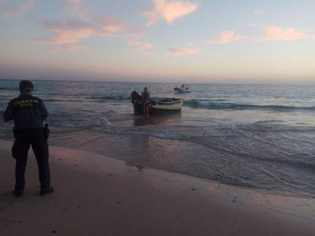 Patera rescatada en Costa Calma