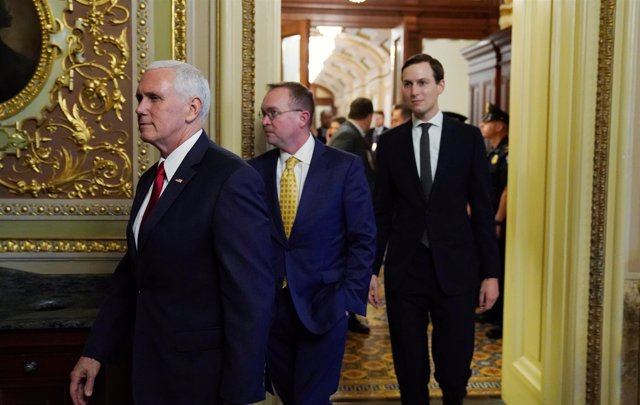 Mike Pence, Mick Mulvaney y Jared Kushner