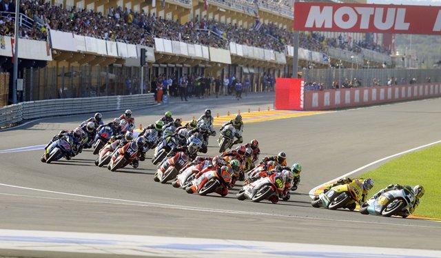 Salida del GP Valencia en el Circuito Ricardo Tormo