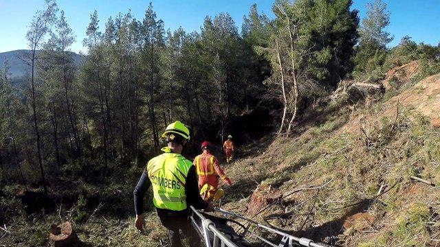 Rescate de un hombre que había quedado atrapado bajo un árbol en Xàtiva