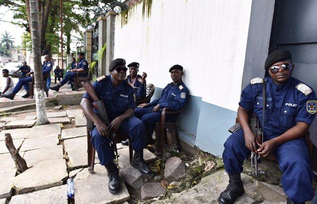 Policías en República Democrática del Congo