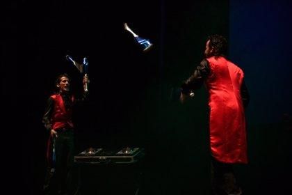 La compañía Rolabola estrena su nuevo espectáculo 'Rock Cirk' esta semana en el Teatro Cervantes de Málaga