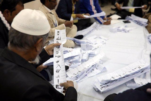 Recuento de votos en Bangladesh