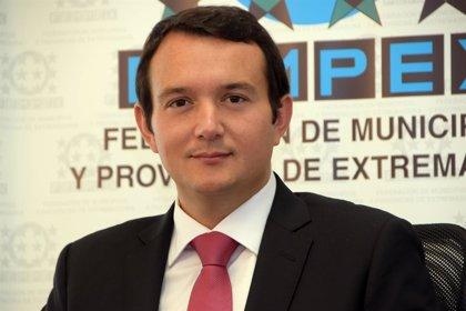 """El presidente de la Fempex resalta el """"reconocimiento"""" de Vara a los alcaldes por su contribución al desarrollo regional"""