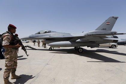 Aviones de combate iraquíes bombardean a dirigentes del Estado Islámico en territorio sirio
