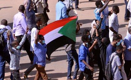 La Policía vuelve a emplear gas lacrimógeno durante una nueva jornada de protestas sociales en Jartum