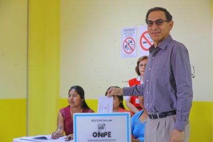 El presidente de Perú aboga por que la brasileña Odebrecht no siga trabajando en el país tras admitir que pagó sobornos