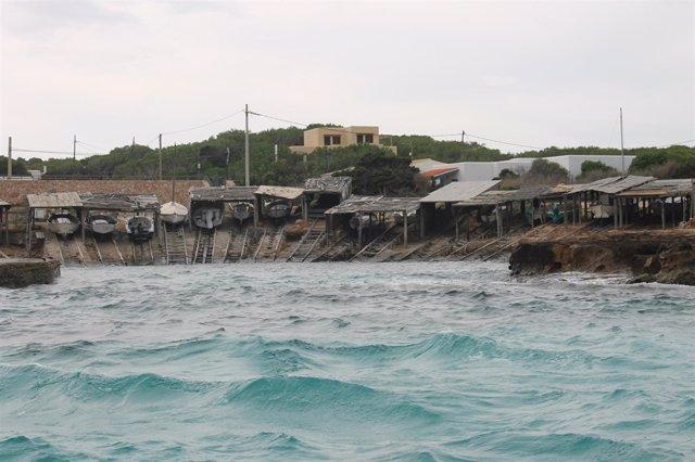 Pesqueros en un puerto