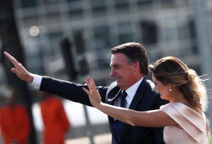 La mujer de Bolsonaro se estrena como primera dama de Brasil con un discurso en lengua de signos