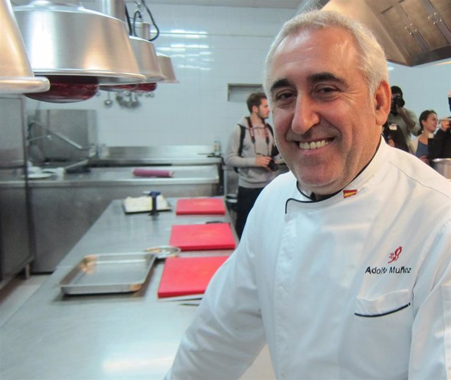 Adolfo Muñoz, cocinero