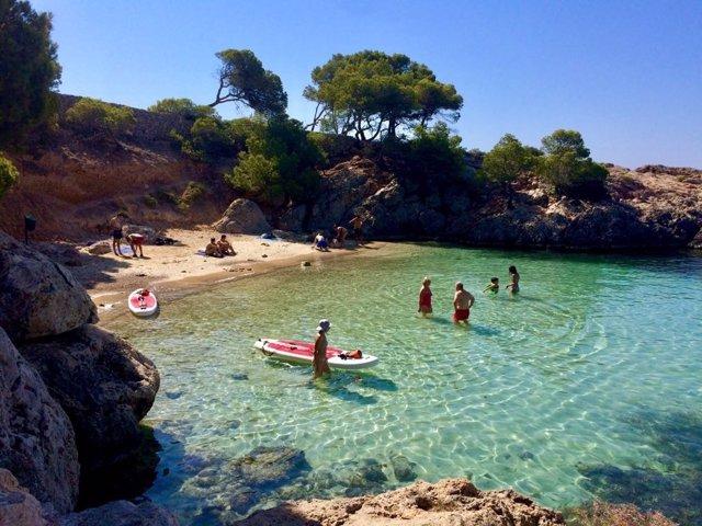 Playa Punta Negra, recurso playa, turistas