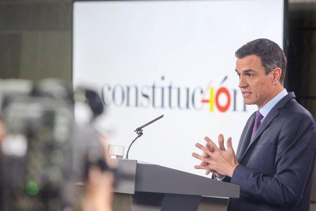 Pedro Sánchez fa balan de la gestió després de passar sis mesos a La Moncloa