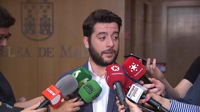 César Zafra acude a la Asamblea de Madrid