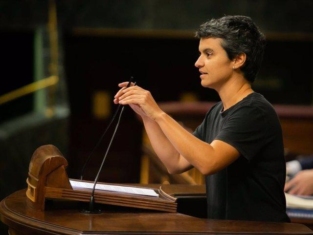 La portavoz de En Comú, Lucía Martín, en el Pleno del Congreso