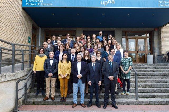 Foto de grupo de los responsables del título junto con el alumnado.