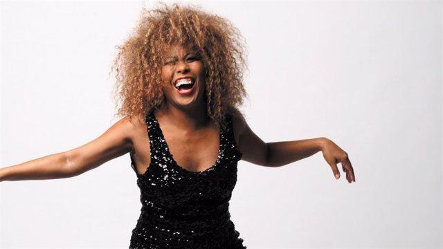 La cantant del tribut a Tina Turner: Typically Tina