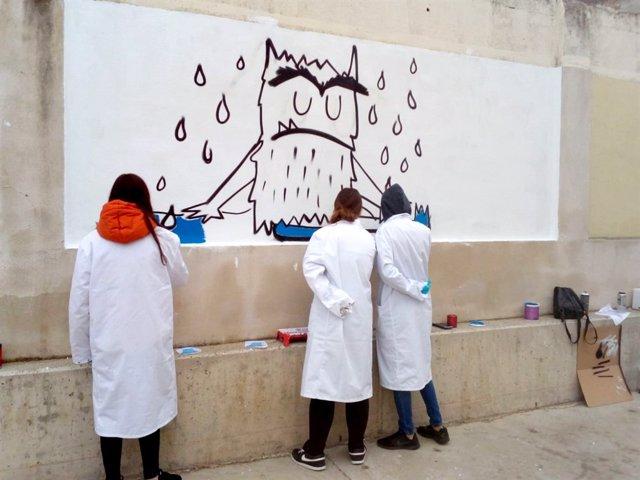 Jóvenes participan en un programa de iniciación al empleo de Nuevo Futuro.