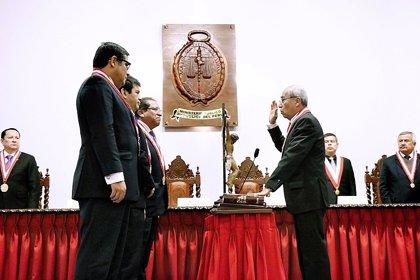 El fiscal general de Perú anuncia la restitución de dos fiscales de 'Lava Jato' recientemente cesados