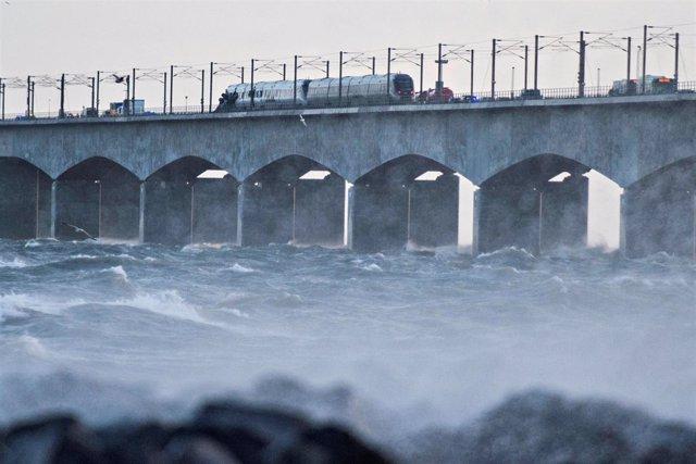 Accidente de tren en el puente Gran Cinturón de Dinamarca