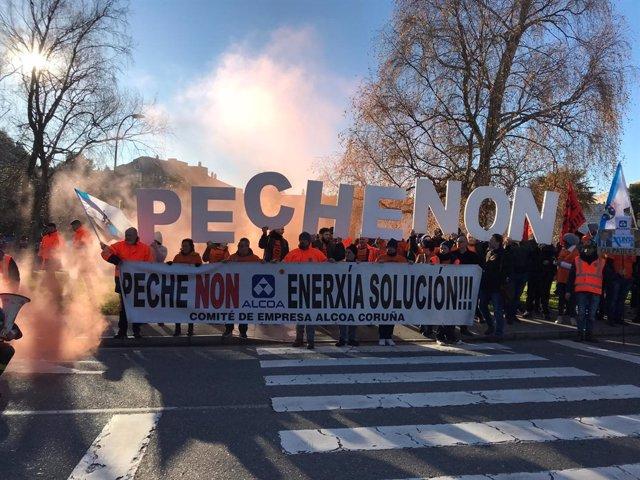 Protesta de empleados de Alcoa en Santiago.