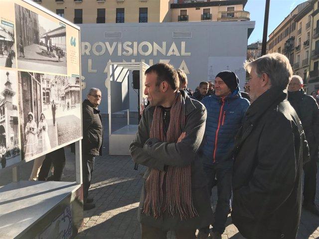 El alcalde inagura la muestra fotográfica de la historia del mercado central